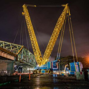 Omega morgan crane team moving Tacoma bridge in one piece