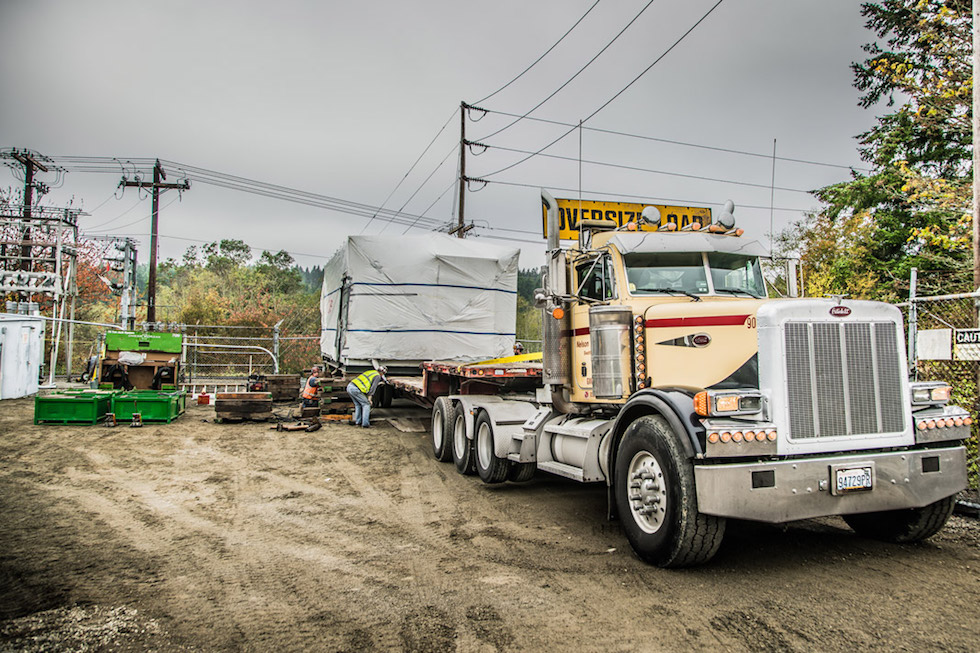 Omega Morgan Machinery Moving team semi truck delivering transformer at Vashon Island Substation