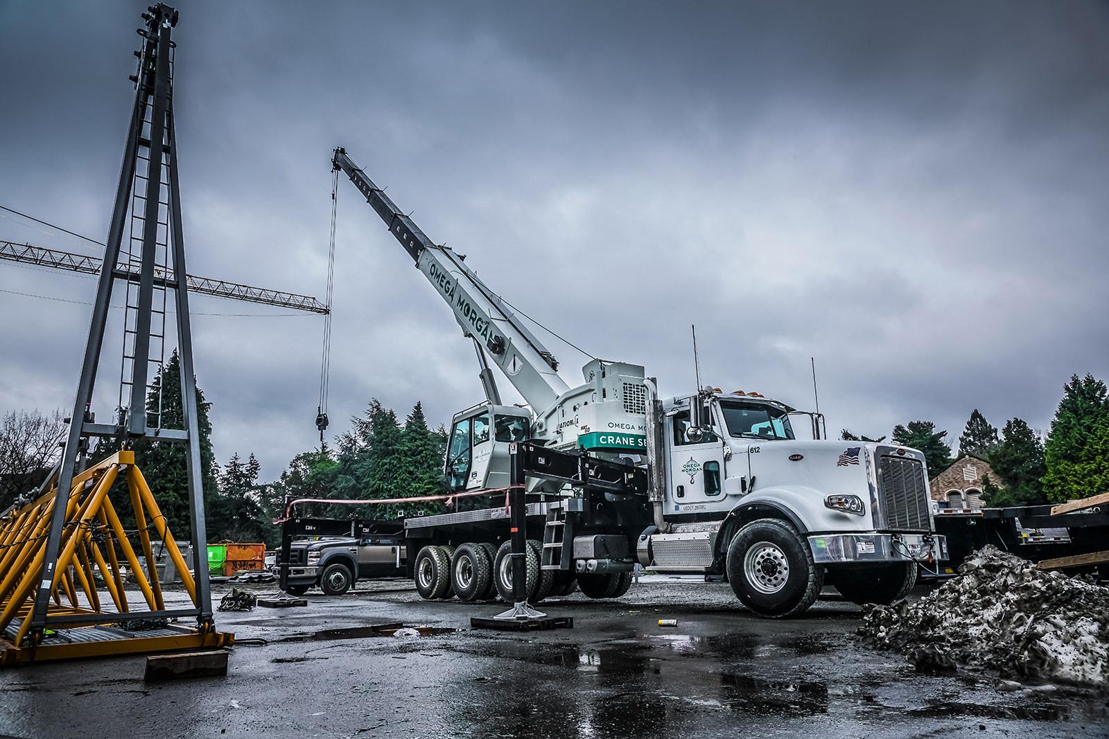 60 ton boom truck