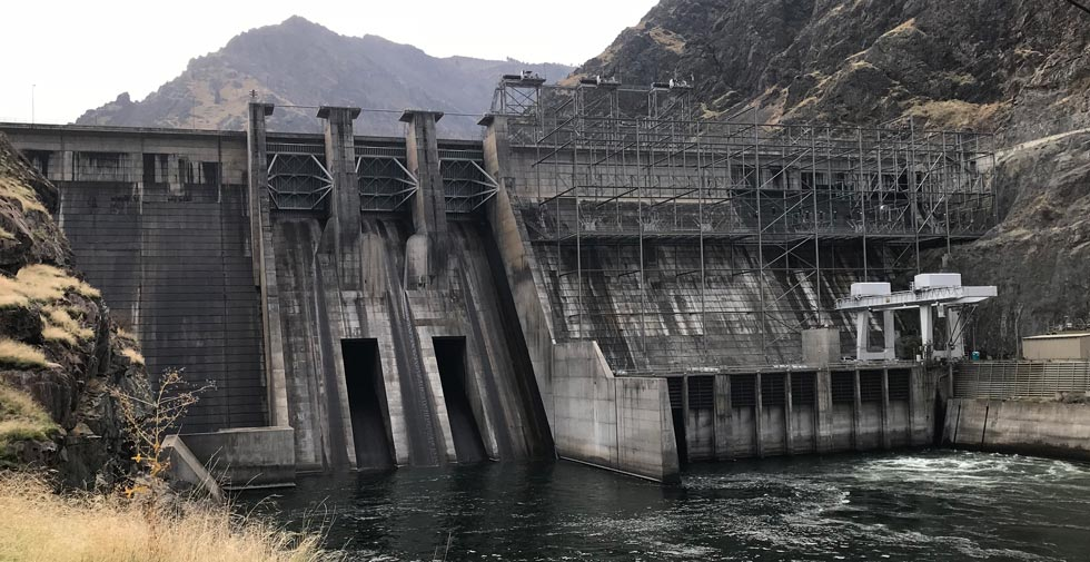 The Hell's Canyon Dam between Idaho and Washington