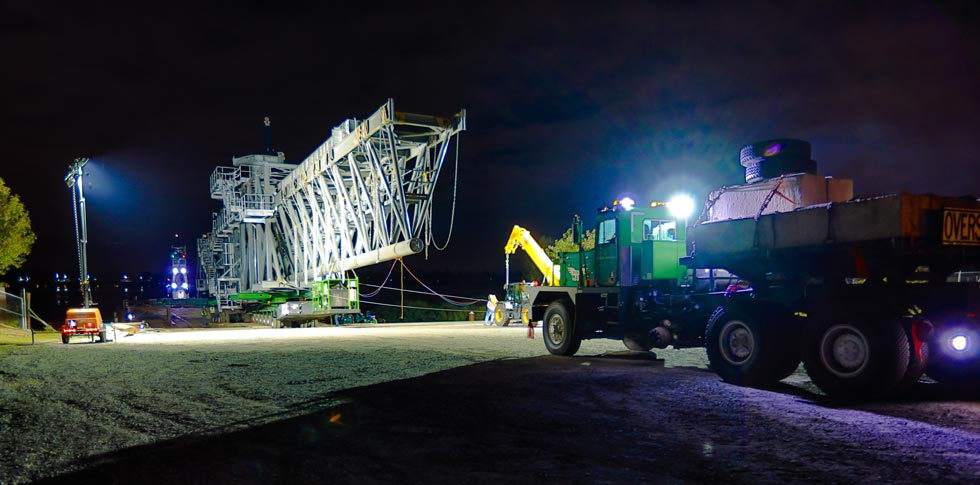 a 530,000 pound ship loader on a KMAG 6-line SPMT being moved at night