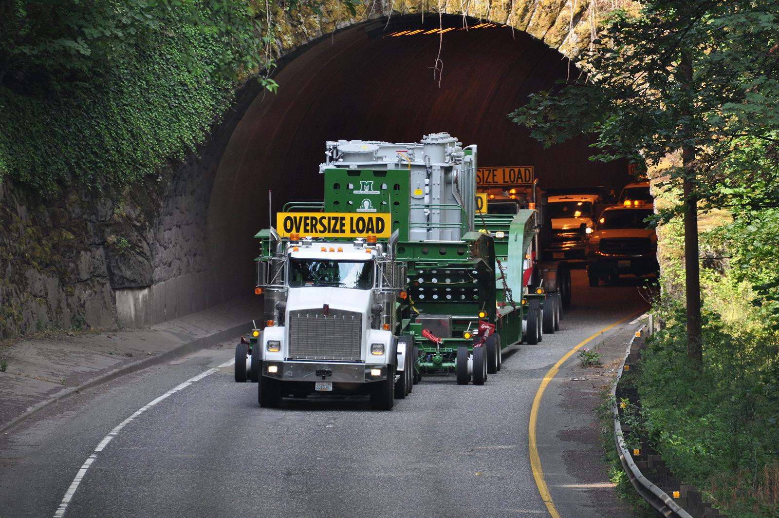 Transporting 210,000lb transformer utilizing dual lane trailer