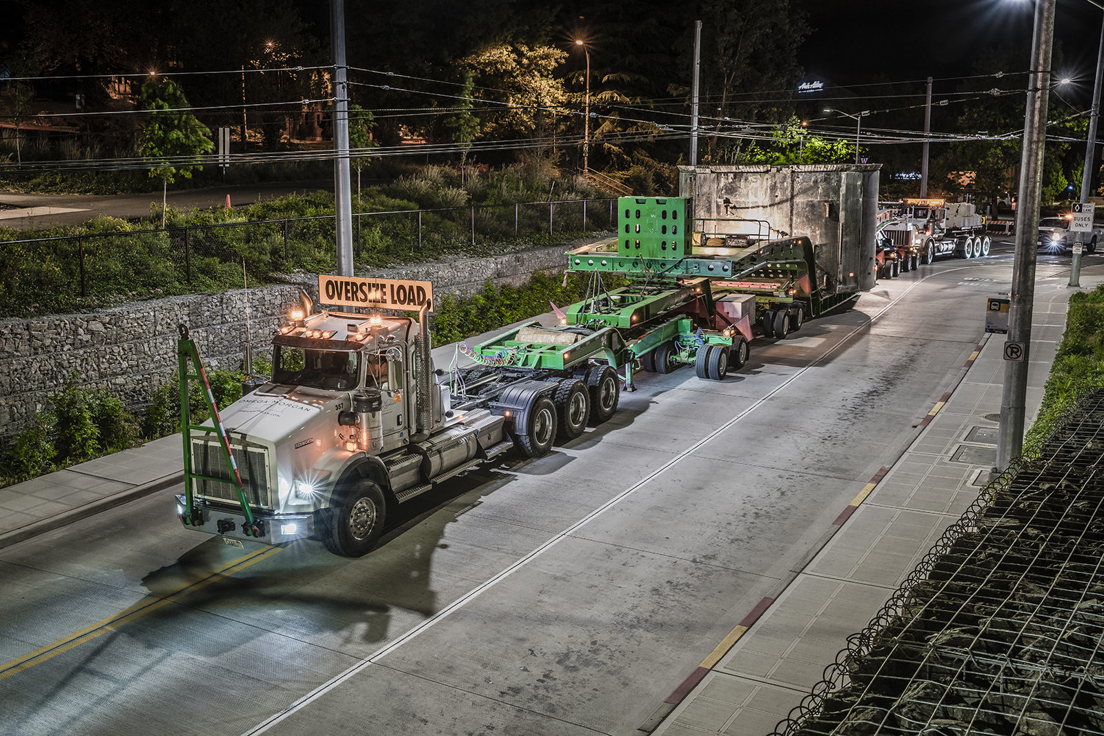 Transporting 220,000lb TBM section on city streets