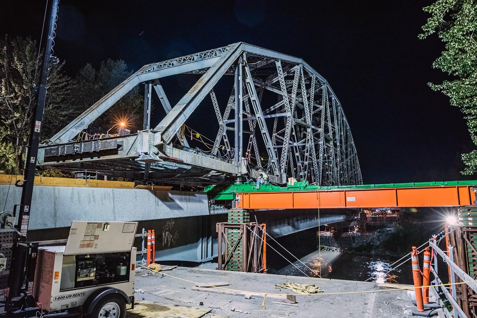 Sliding Puyallup River Bridge using heavy skid system