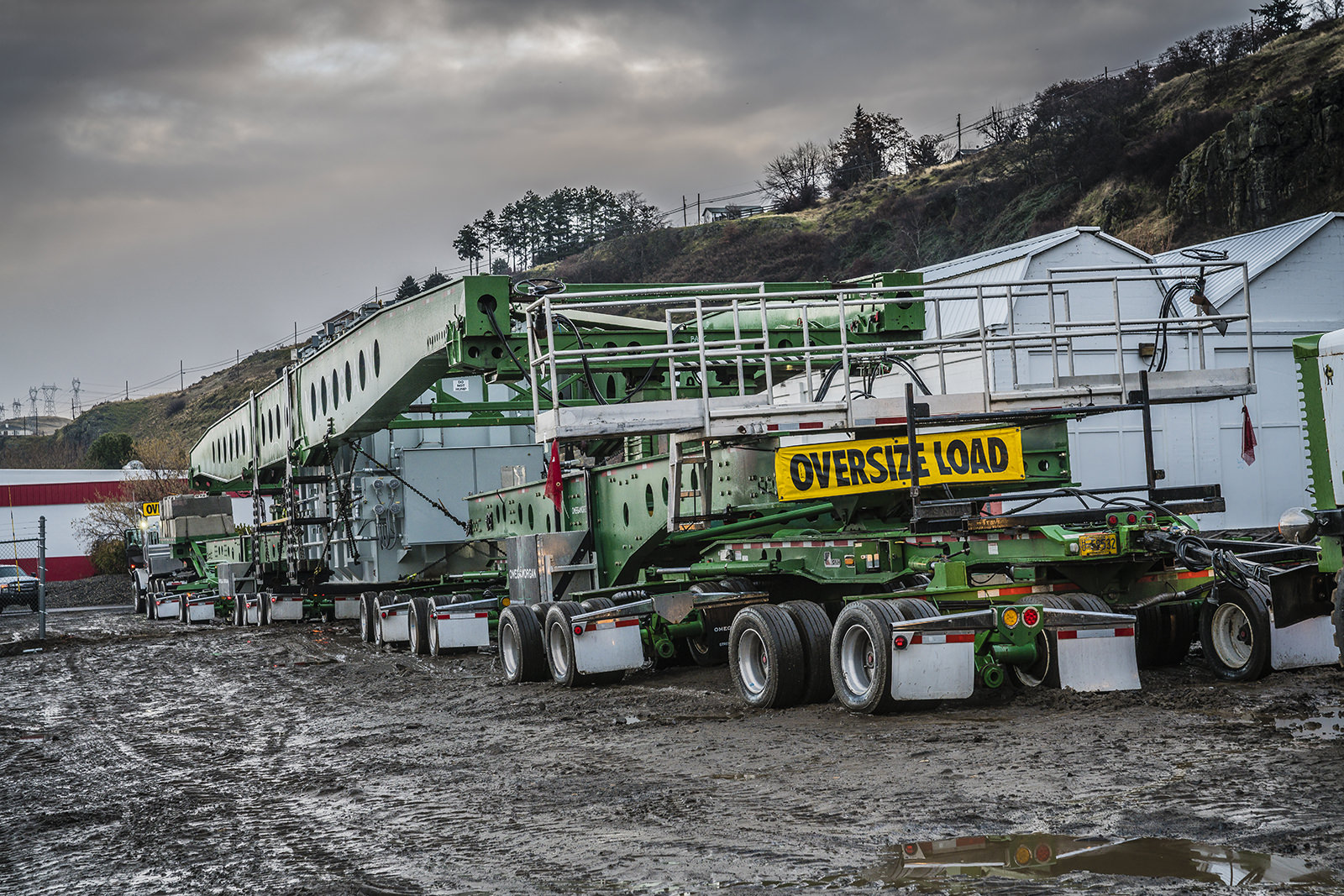 Deporting rail siding with 40,000lb transformer on high frame trailer
